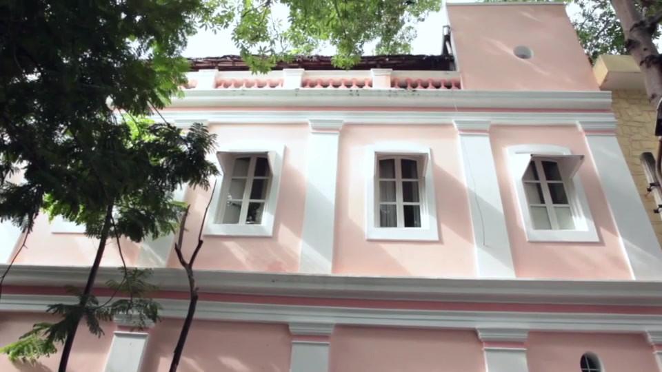 design interiors Holy Chic Homes La vie en Rose Pondicherry Facade front pink entrance view reaching location direction street rue entree agathe lazaro