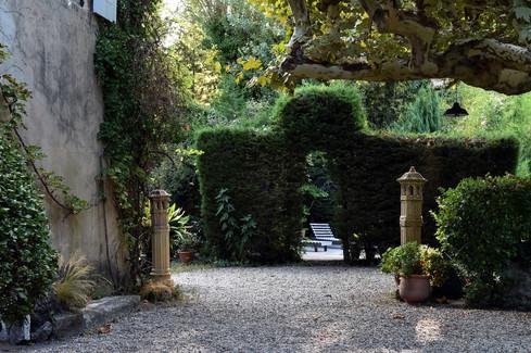 HolychicHomes - Le Mas Méjean-St Rémy de Provence-swimming pool-garden