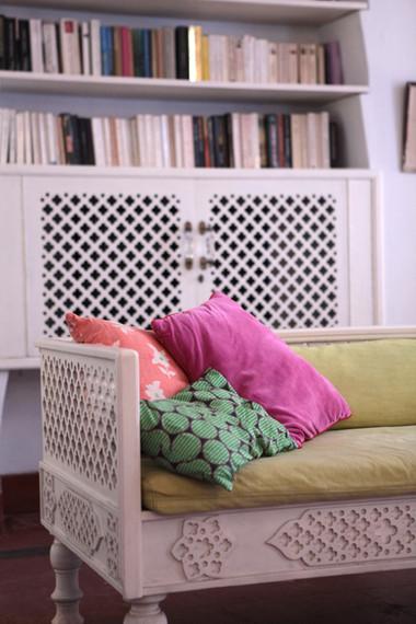 reading book rest cushions colours canape bois jali livres french franceHoly design interiors Chic Homes La Vie en Rose Pondicherry India gathe lazaro
