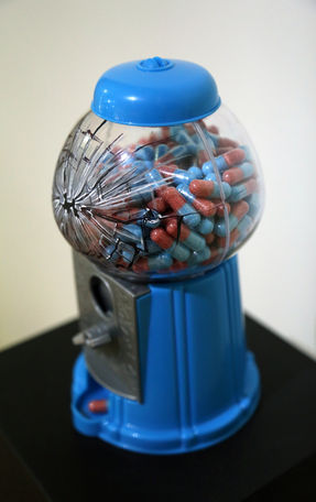 Distributrice à pilules sucrées