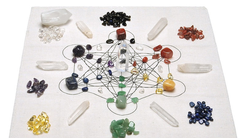 Sunligoo Chakra Crystal Healing Grids Kit  7 Chakra Assorted Chips