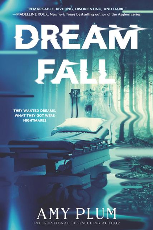 Dreamfall by Amy Plum (used)