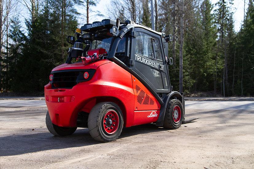Dieseltrukki Linde H50D-02/600 2015 oikealta takaa