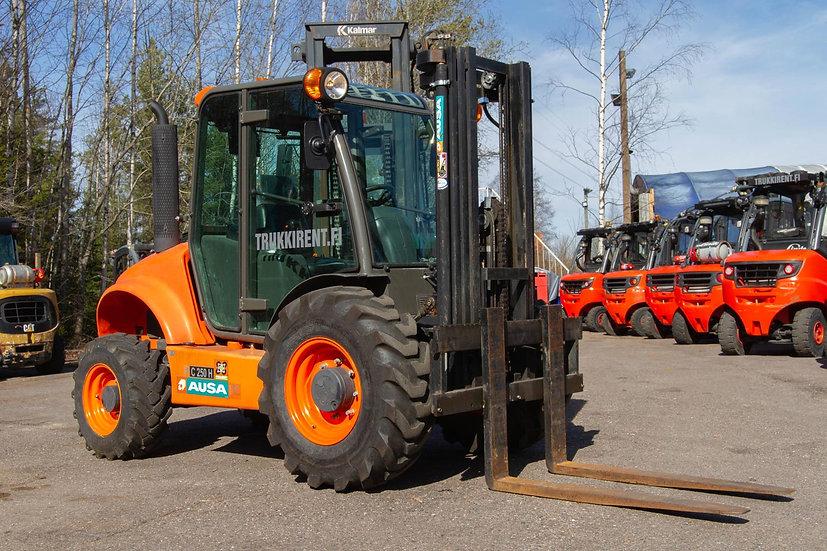 Vuokrattava maastotrukki Ausa C250H X4 2016