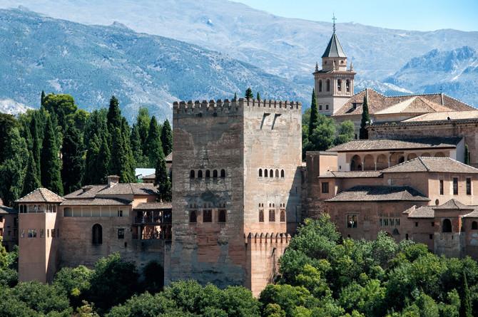 Granada, a jóia de um reino antigo