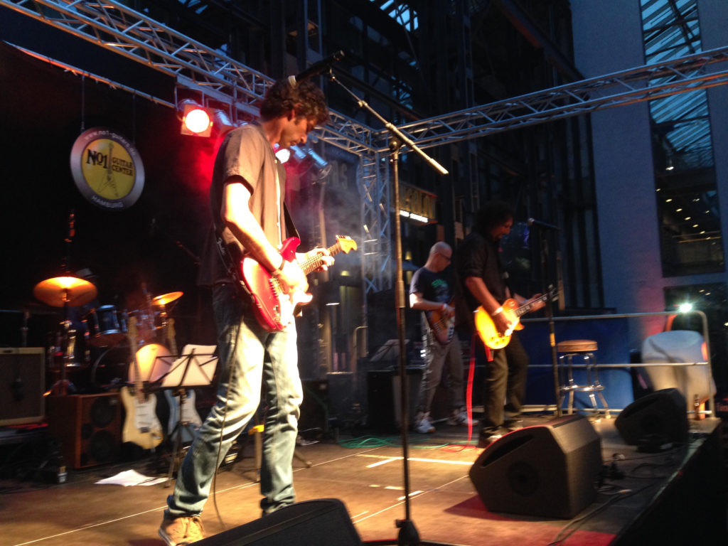 Crossroads-Guitar-Festival-2016-29-1024x