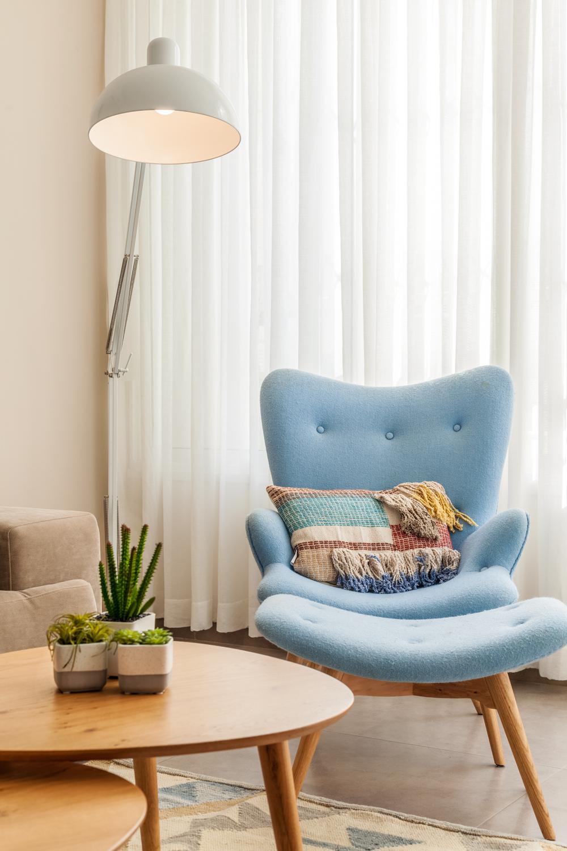 ספה כחולה