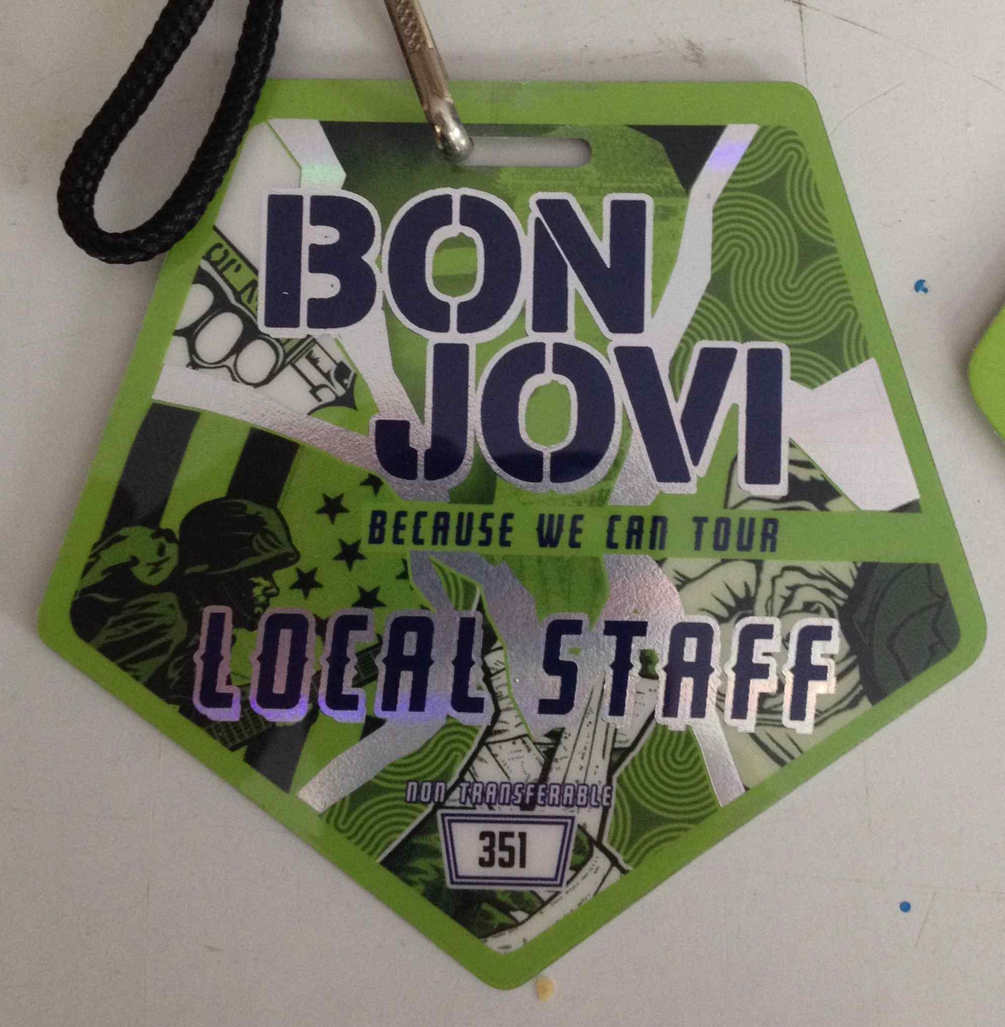 2013-Badge Bon Jovi.jpg