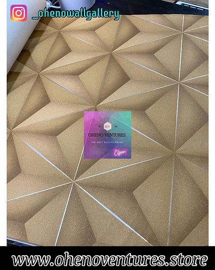 Silver lined hexagonal gold 3d design