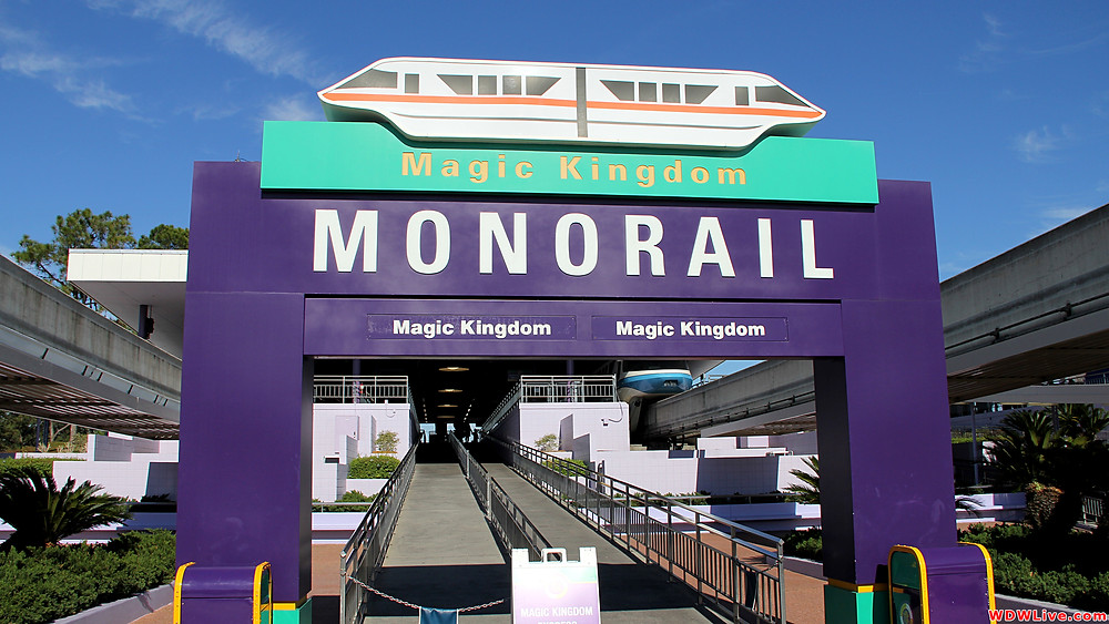Monotrilho usado para transportes até os Parques