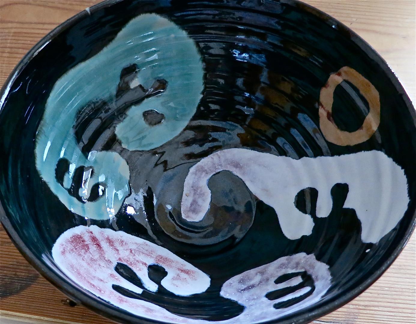 deep bowl interior