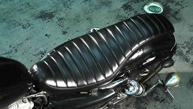 バイクシート,コーティング シート,ガラスコート バイクシート,バイクシート コーティング,バイク シート 劣化,バイク シート 熱い,バイク 座席 復活,バイク 座席 汚い,バイクシート 洗浄,バイクシート 洗車