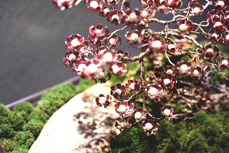 metal red flower tree - close 3.JPG