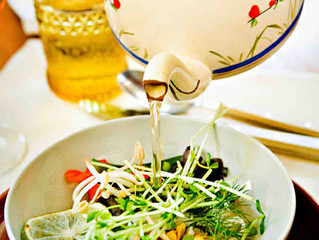 On Amy's Table: Laurie David's Vietnamese Soup in a Teapot