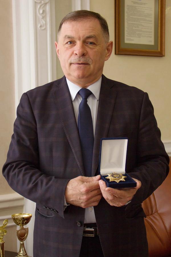 «Орденом Святої Аполонії» нагороджений ректор Микола Рожко