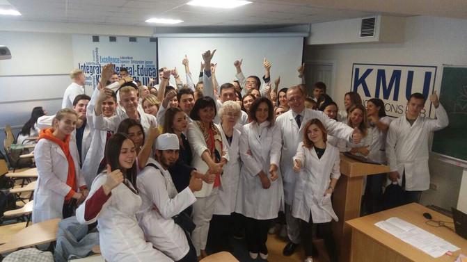 Зустріч президента ГО «АСУ» з викладачами і студентами ПВНЗ «Київський медичний університет»