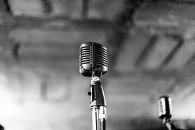 Lone Microfone