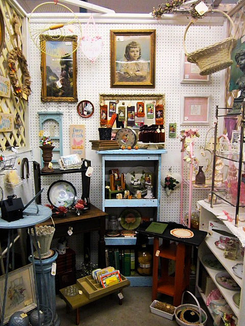 Medford Collectors Market I Home Decor And Antiques In Southern Oregon