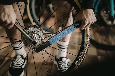 RadRace-parktool-wfahrrad schaltung reperatur platten kette service inspektion nandlinger ebike fahrrad pedelec