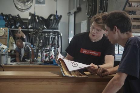 fahrrad nandlinger modern umweltschutz valentin peter petra nandlinger haus tradition fahrrad ebike pedelec mountainbike