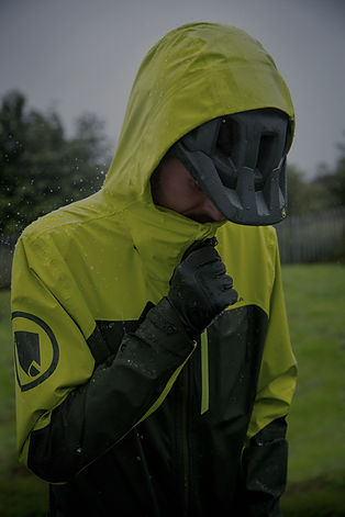 endura roeckl vaude fahrrad bekleidung regenjacke regenhose mtb hose enduro downhill gravel rennrad handschuhe