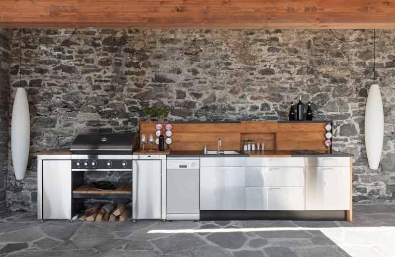outdoor kitchen layouts