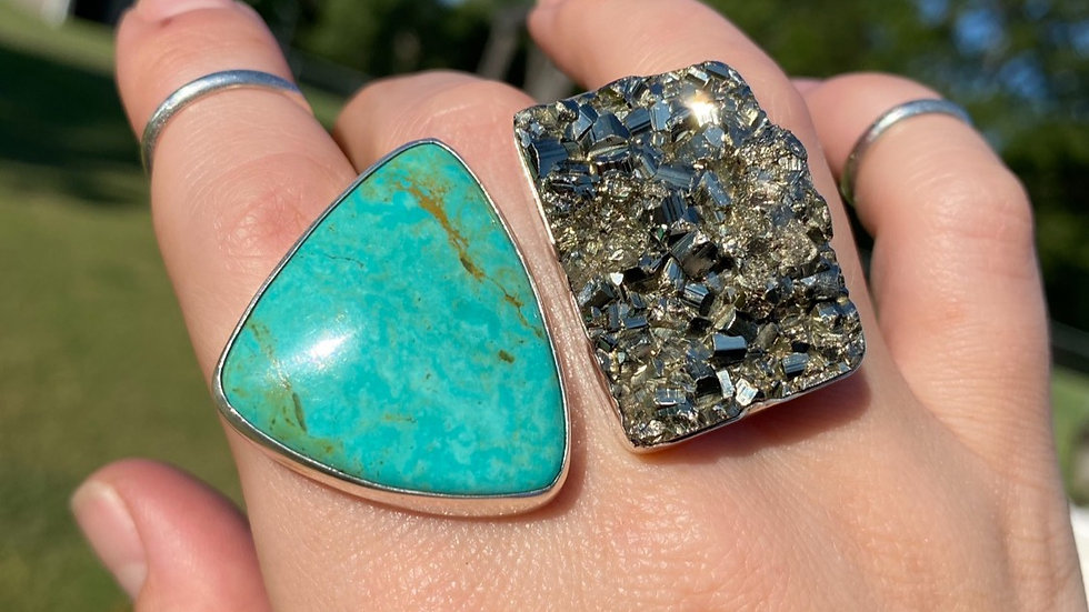Kingman and Pyrite Knuckleduster