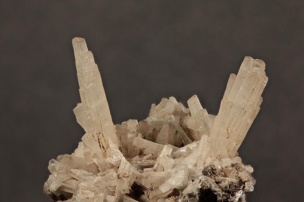 Nicely terminated natrolite crystas