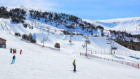 school-ski-trips-grandvalira-andorra-01-