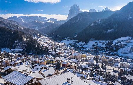 Val-Gardena-Santa-Cristina-wide-shot.jpg