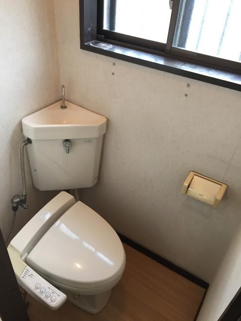 金田町一丁目借家トイレ