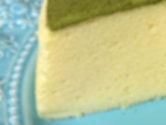 無添加養生蛋糕《天下雜誌》譽為【平價頂級舒芙蕾】- 抹茶檸檬舒芙蕾蒸蛋糕,無奶油,無牛奶,無添加,採用台東在地整顆雞蛋、台東當季檸檬,全程100℃低溫炊蒸,創造出法式SOUFFLÉ的空氣感輕盈軟嫩,撒上京都宇治抹茶。茶香伴隨著淡淡苦澀,會在舌尖回甘,與蛋糕的迷人酸甜堪稱絕配,令人驚豔的味覺平衡,猶如天作之合。by台東自然食尚
