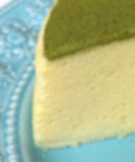 無添加養生蛋糕 - 抹茶檸檬舒芙蕾蒸蛋糕《天下雜誌》譽為【東方舒芙蕾】,寶寶蛋糕,無奶油,無牛奶,無添加,採用台東在地整顆雞蛋、台東當季檸檬,全程100℃低溫炊蒸,創造出法式SOUFFLÉ的空氣感輕盈軟嫩,撒上京都宇治抹茶。茶香伴隨著淡淡苦澀,會在舌尖回甘,與蛋糕的迷人酸甜堪稱絕配,令人驚豔的味覺平衡,猶如天作之合。by台東自然食尚