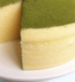 無添加養生蛋糕-《天下雜誌》譽為【東方舒芙蕾】- 抹茶檸檬舒芙蕾蒸蛋糕 - 無奶油,無牛奶,無添加,採用台東在地整顆雞蛋、台東當季檸檬,全程100℃低溫炊蒸,創造出法式SOUFFLÉ的空氣感輕盈軟嫩,撒上京都宇治抹茶。茶香伴隨著淡淡苦澀,會在舌尖回甘,與蛋糕的迷人酸甜堪稱絕配,令人驚豔的味覺平衡,猶如天作之合,滿足甜點控對蛋糕的一切期待。台東自然食尚