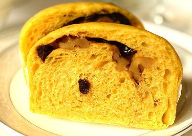 抹茶舒芙蕾蒸蛋糕 自然食尚 媲美法式SOUFFLÉ的空氣感雲柔細緻,高雅的鬆軟濕潤,日本京都宇治抹茶的深邃茶韻,新鮮檸檬迷人的酸甜滋味,雪泡般入口即化的夢幻食感。健康食材、無添加、全程健康的100℃水蒸氣低溫炊蒸,兼顧美味與健康,滿足你對蛋糕的一切期待。