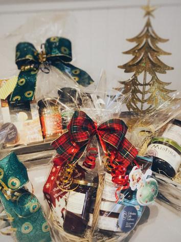 Nos paniers cadeaux à personnaliser!