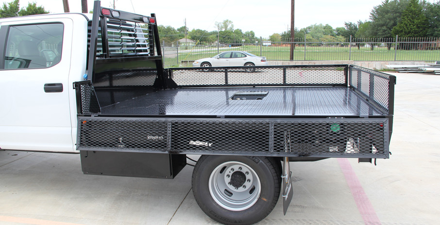 Flatbed with custom low gate2 .JPG