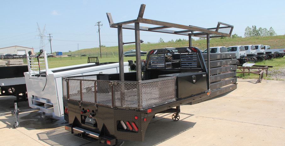customized flat bed with half ladder rac