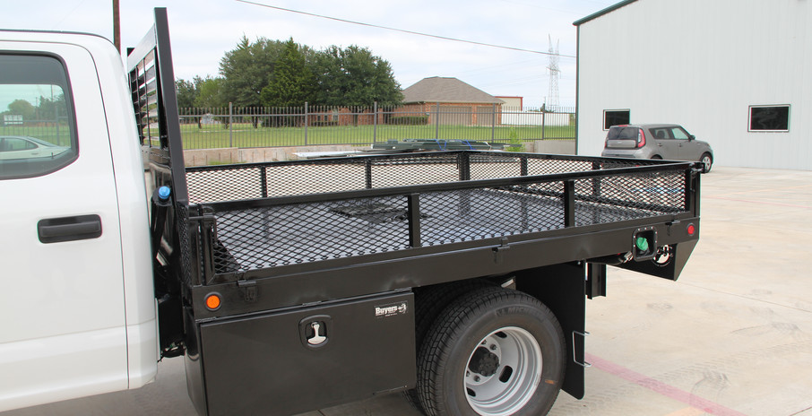 Flatbed with custom low gate .JPG