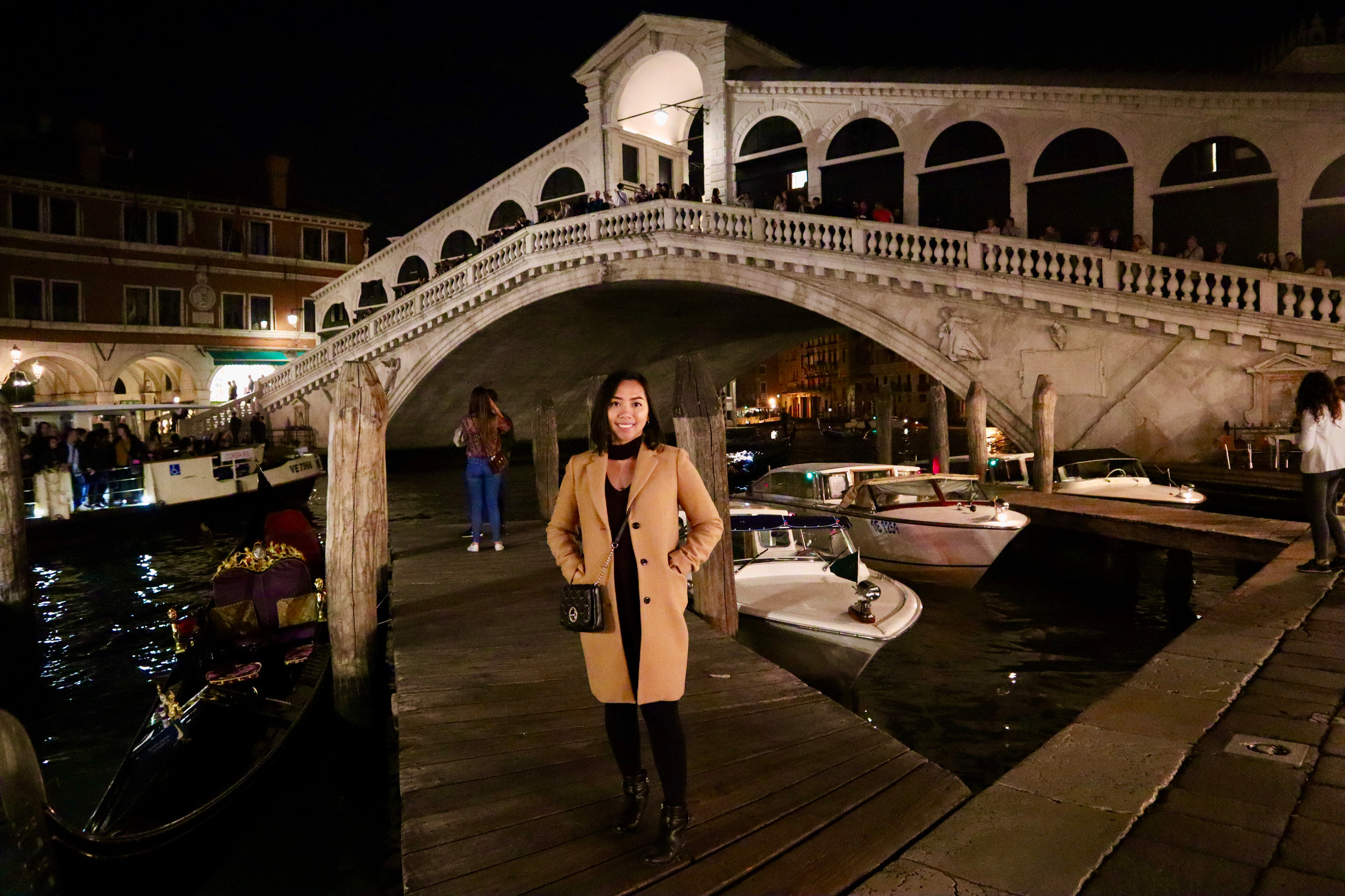 Gorgeous Rialto Bridge at night in Venice, Italy by Biteinerary