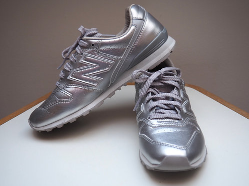 NEW BALANCE 996 Silver Sneakers