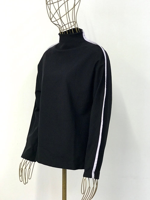 Tomcsanyi Contrast Sweater
