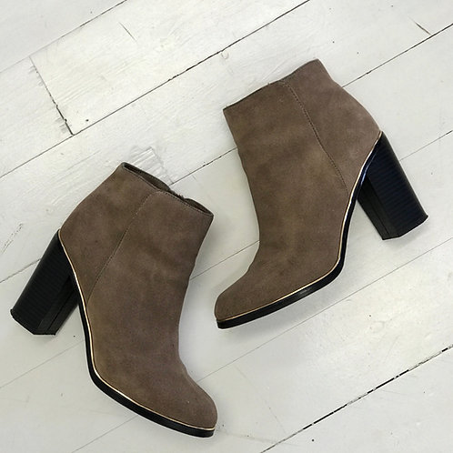 Reserved Leather Ankleboots