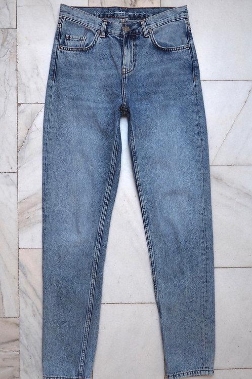 NEVER Denim Washed Mom Jeans