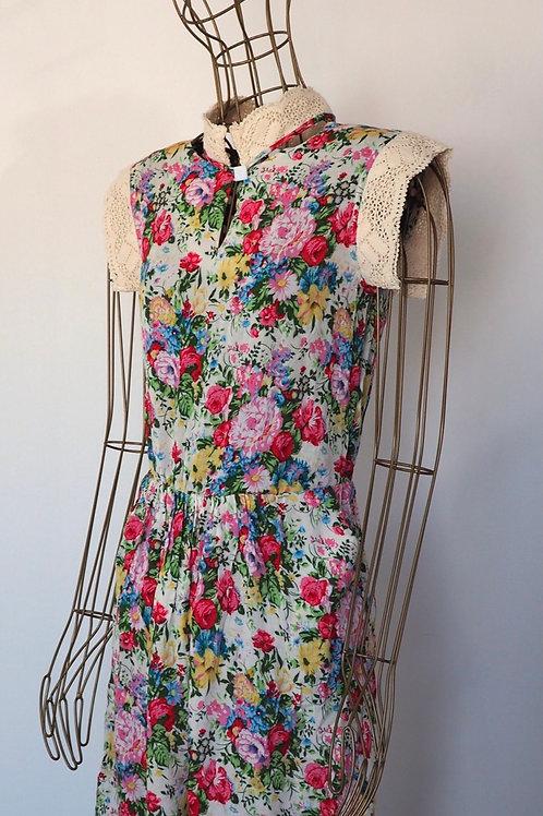 FUFAVI Lace/Flower Dress