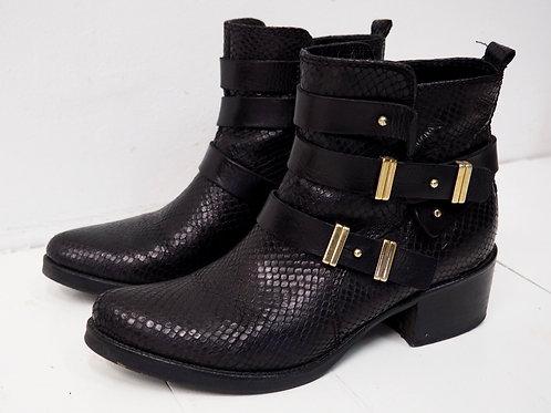 LAVORAZIONE ARTIGIANA Buckled Boots