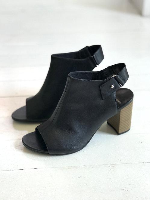 Vagabond Leather Heels