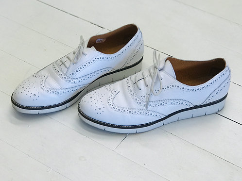 Kiomi White Oxford Shoes