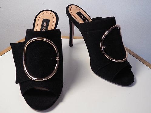 MUSETTE Heels with Golden Details