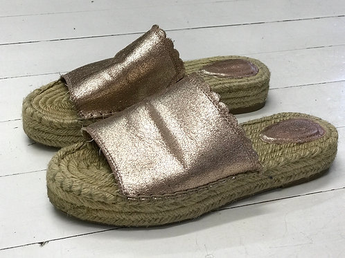 OYSHO Bronze Slippers